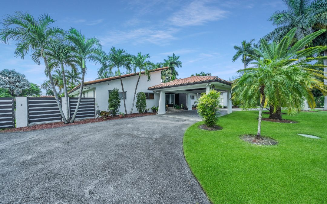 JUST LISTED IN HIALEAH GARDENS: 10144 NW 137 Street