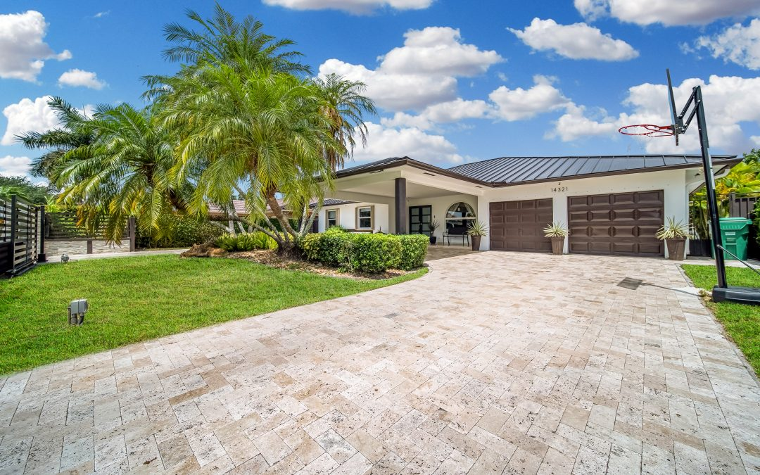 JUST LISTED IN TAMIAMI: 14321 SW 18 STREET