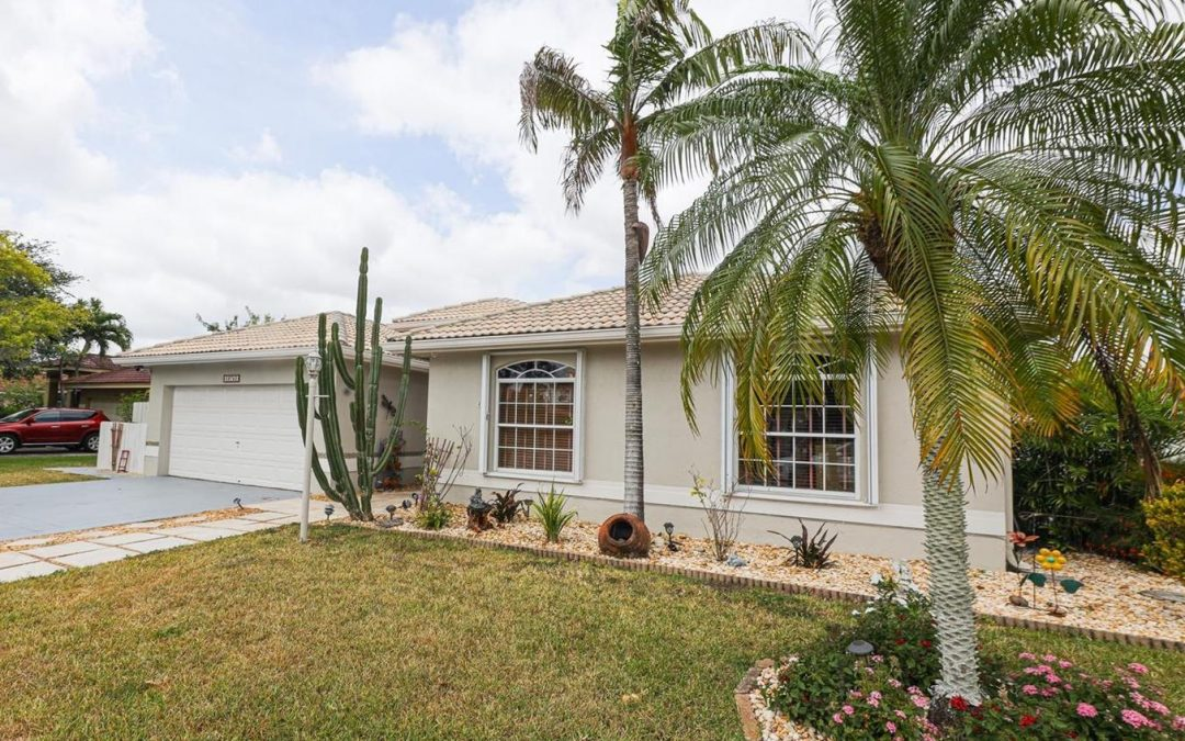 JUST LISTED IN HOMESTEAD: 29752 SW 164 Court