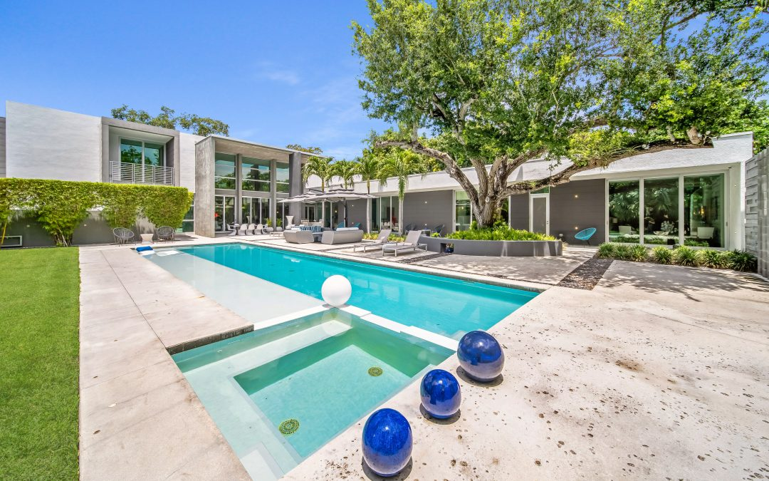 JUST LISTED IN PINECREST: 12625 SW 78 AVENUE