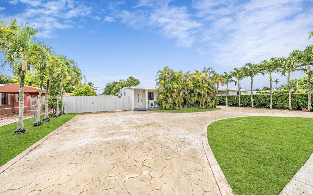 JUST LISTED IN WESTCHESTER: 4531 SW 98 COURT