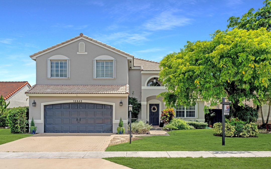 JUST LISTED IN KENDALL: 15942 SW 73 STREET